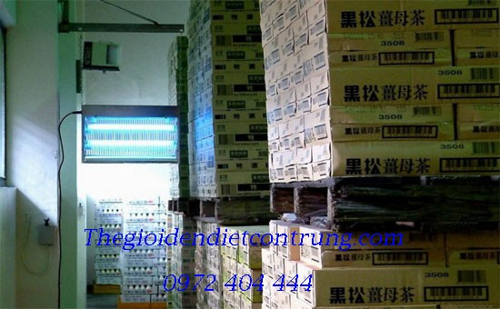 Den_diet_con_trung_duoc_su_dung_trong_nha_kho