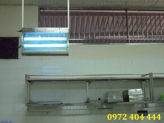 Đèn diệt côn trùng cho bếp ăn công nghiệp